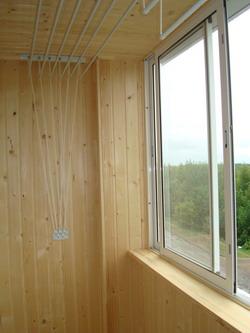 Купить деревянную вагонку для отделки балкона..